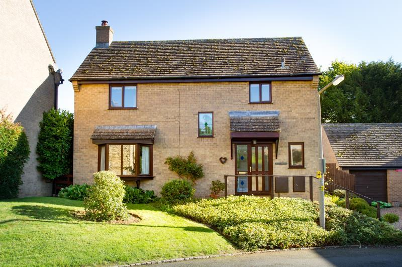 4 Bedrooms Detached House for sale in The Homestead, Bladon, Woodstock, Oxfordshire
