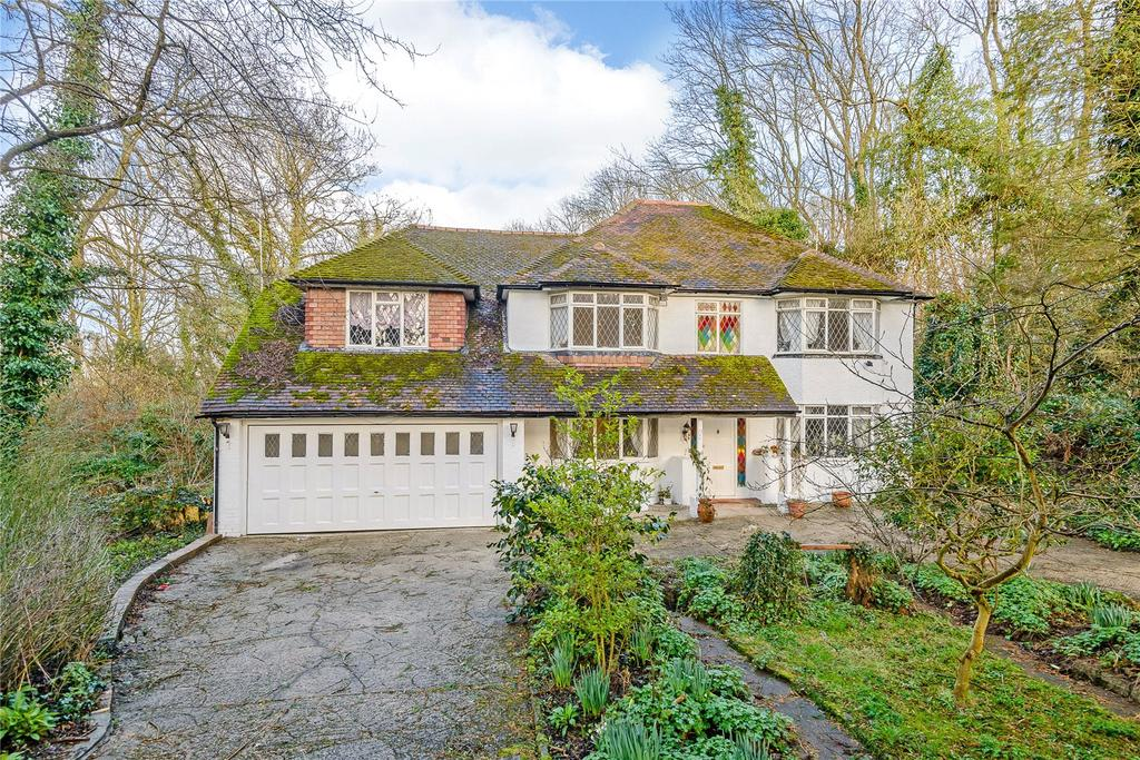5 Bedrooms Detached House for sale in Bakers Wood, Denham, Buckinghamshire, UB9