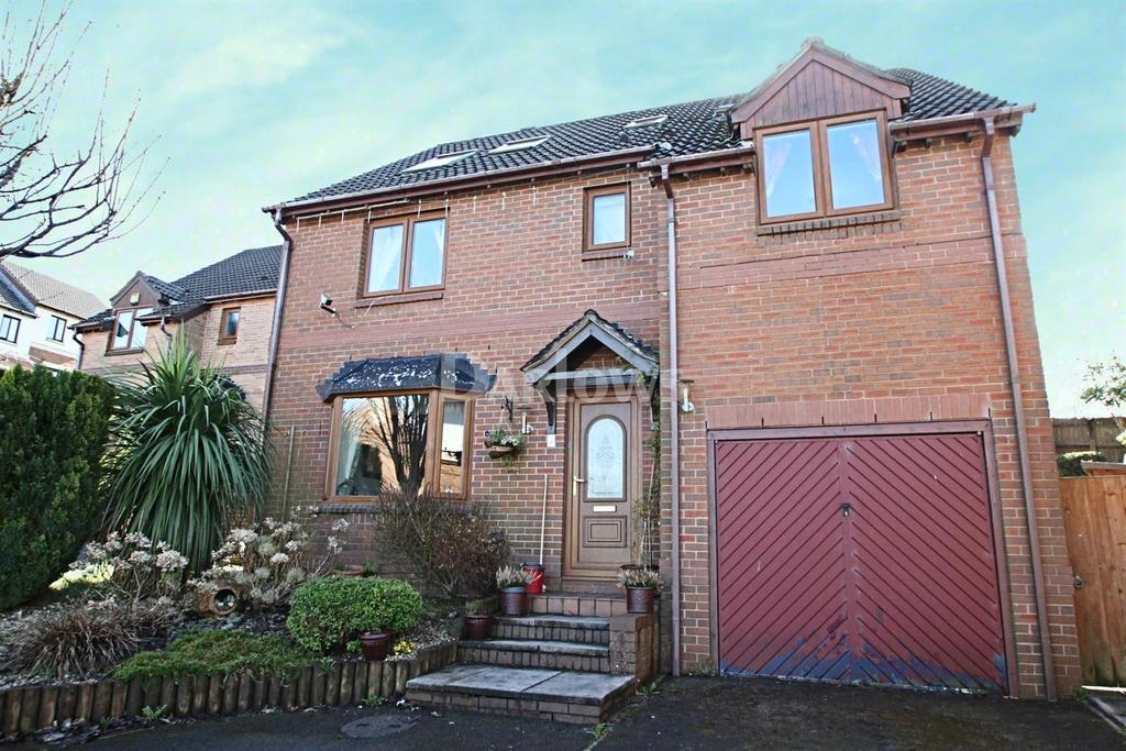 6 Bedrooms Detached House for sale in Clos Cae'r Wern, Castle View