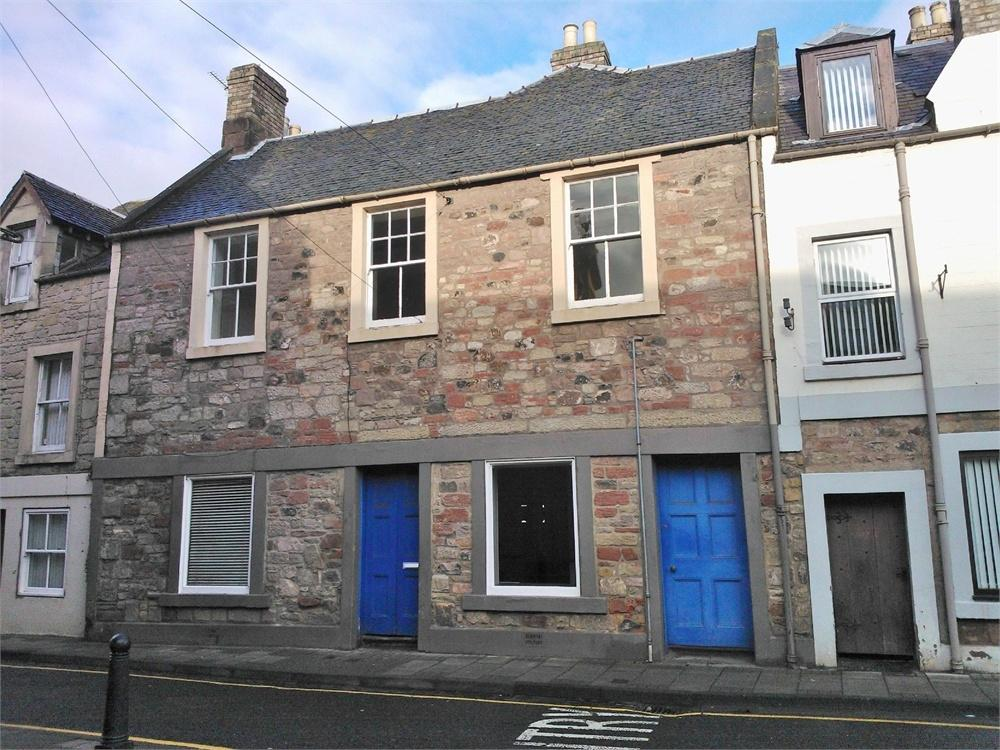 Town House for sale in SHOP/ RESTAURANT/ TAKEAWAY/ OFFICE/ RESIDENTIAL, 6 Golden Square, DUNS, Scottish Borders