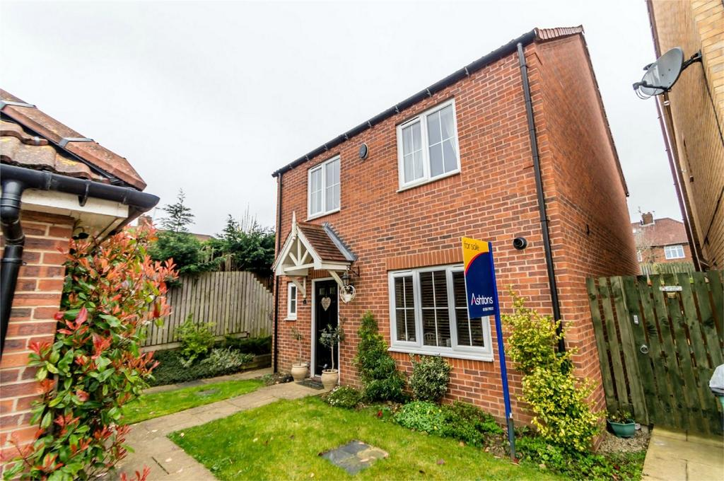 4 Bedrooms Detached House for sale in Church Gate, Acomb, YORK