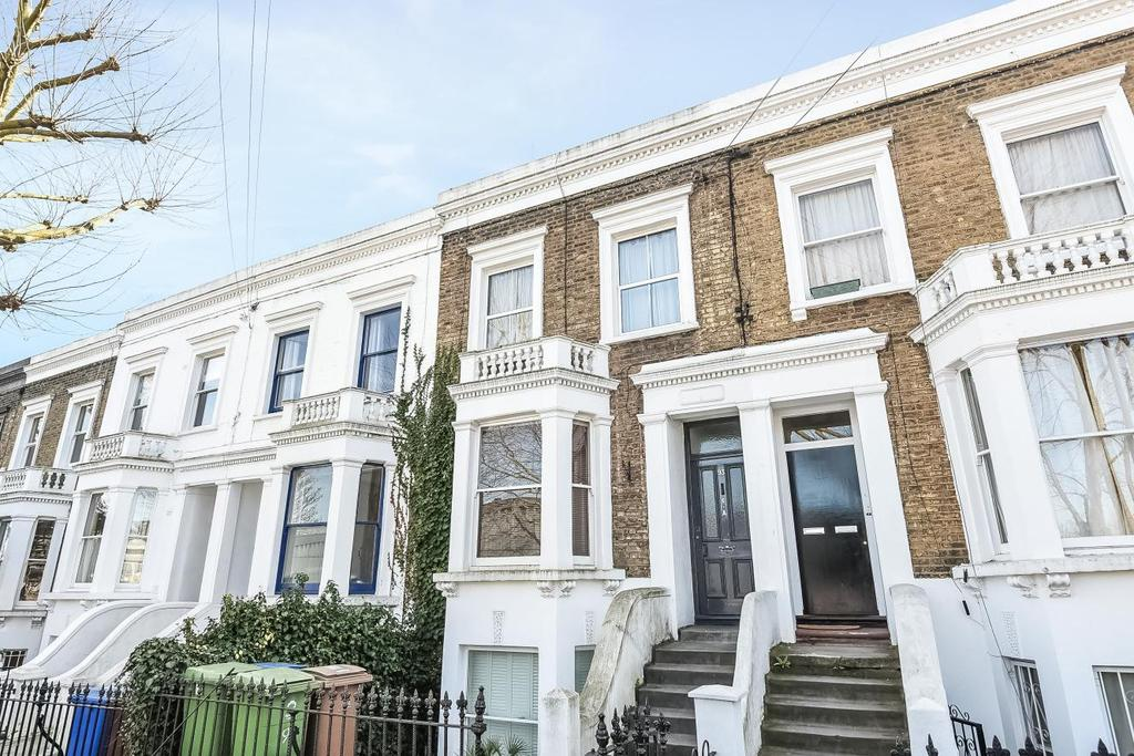 2 Bedrooms Flat for sale in Chadwick Road, Peckham