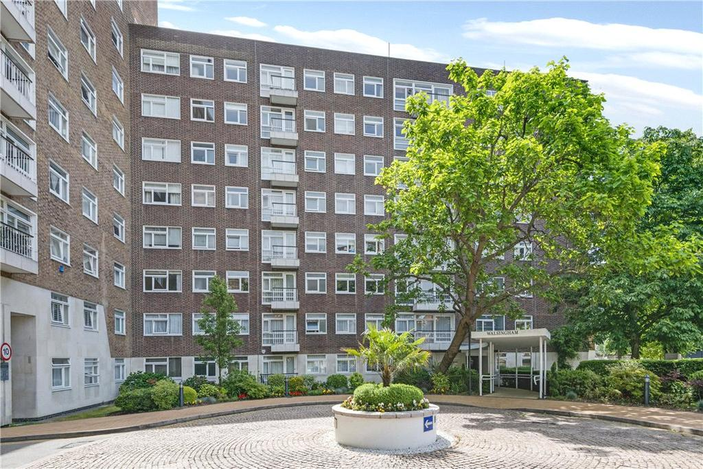 3 Bedrooms Flat for sale in Walsingham, St. Johns Wood Park, London, NW8