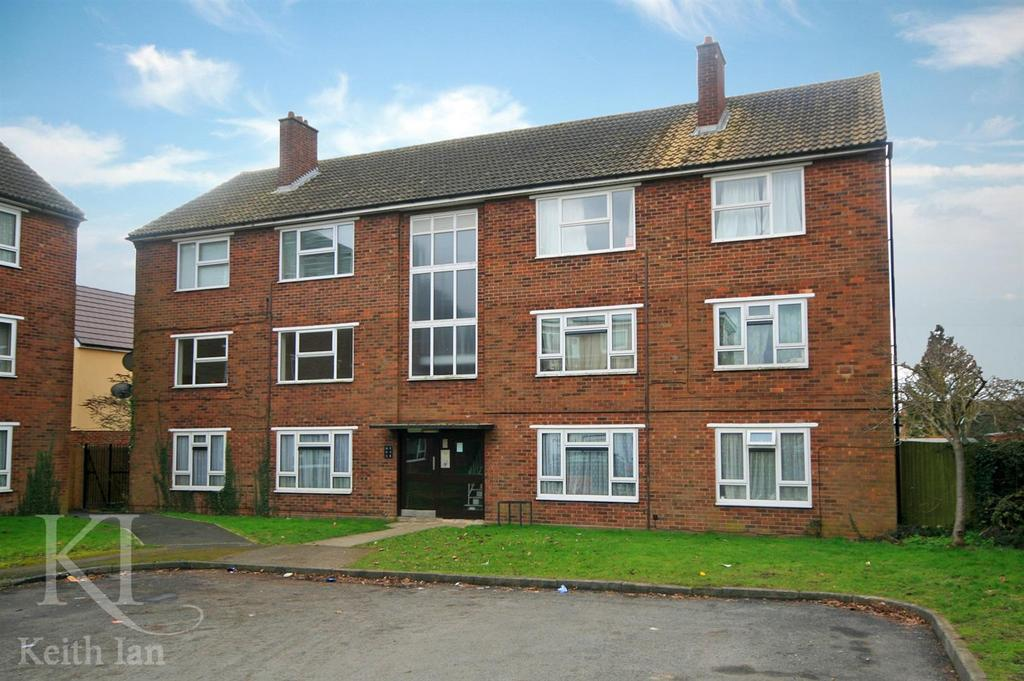 2 Bedrooms Apartment Flat for sale in Quaker Road, Ware