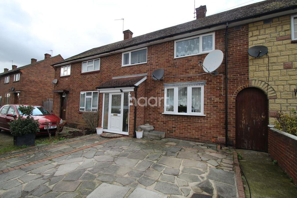 3 Bedrooms Terraced House for sale in Bridgwater Road, RM3