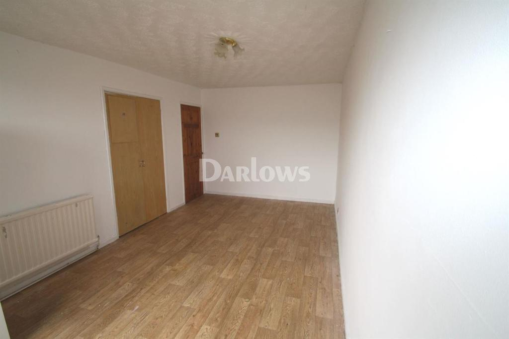 2 Bedrooms Flat for sale in St Georges Court, Tredegar, Gwent