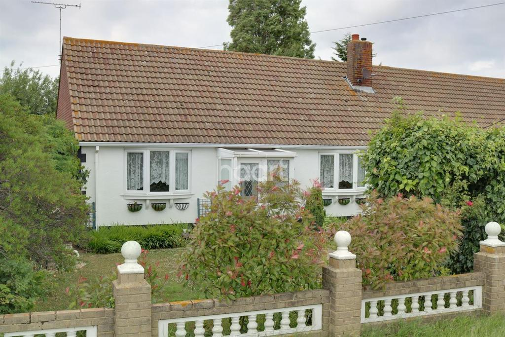 2 Bedrooms Bungalow for sale in Leysdown Road, Bayview