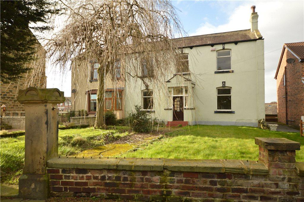 4 Bedrooms Semi Detached House for sale in Daisy Hill, Morley, Leeds