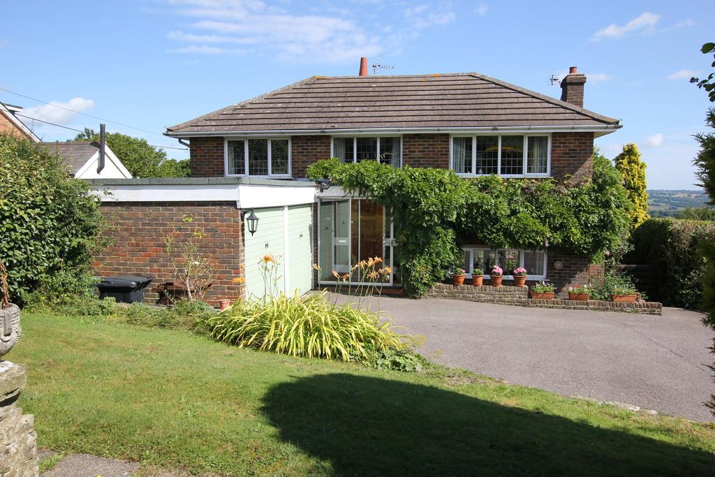 3 Bedrooms Detached House for sale in Vicarage Road, Burwash Common
