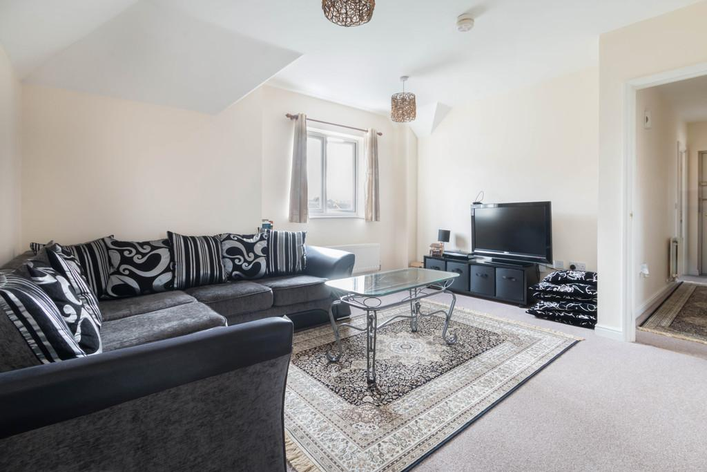 2 Bedrooms Apartment Flat for sale in Collingtree Court, Olton, Solihull