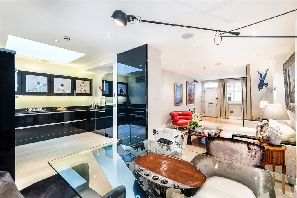 3 Bedrooms House for sale in Petersham Mews, South Kensington, London