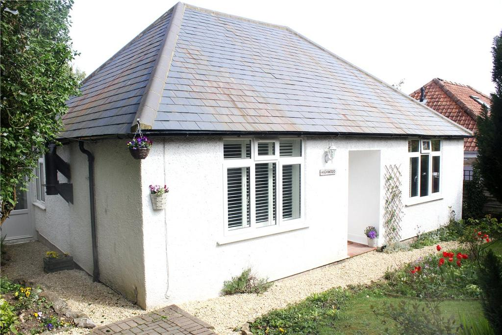 4 Bedrooms Detached House for sale in Barnfield, Marlborough, Wiltshire, SN8