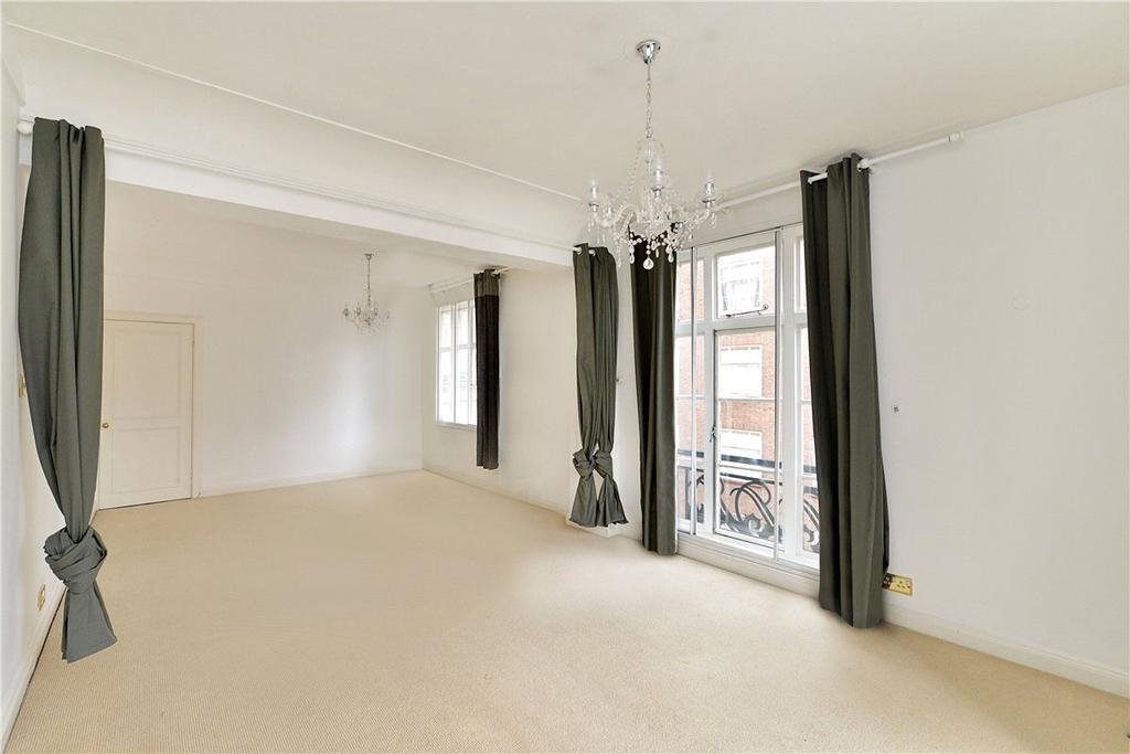 2 Bedrooms Apartment Flat for sale in Carrington House, Hertford Street, London, W1J