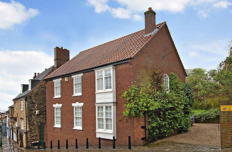 4 Bedrooms Detached House for sale in Steep Hill, Lincoln, Lincolnshire, LN2