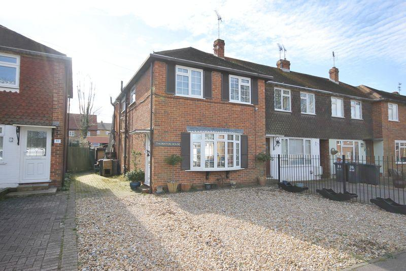 4 Bedrooms End Of Terrace House for sale in Cants Lane, Burgess Hill, West Sussex
