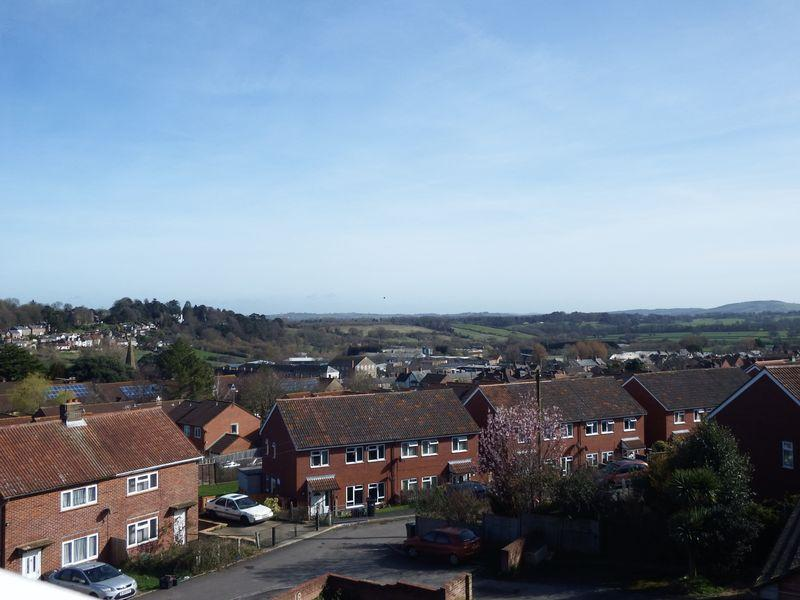 2 Bedrooms Apartment Flat for sale in Dairy Court, Crewkerne