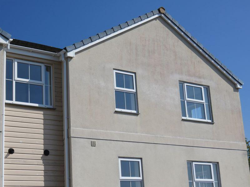 2 Bedrooms Apartment Flat for sale in Newbridge View, Truro