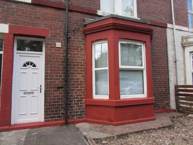 2 Bedrooms Ground Flat for sale in Holly Avenue, Wallsend - Two Bedroom Ground Floor Flat