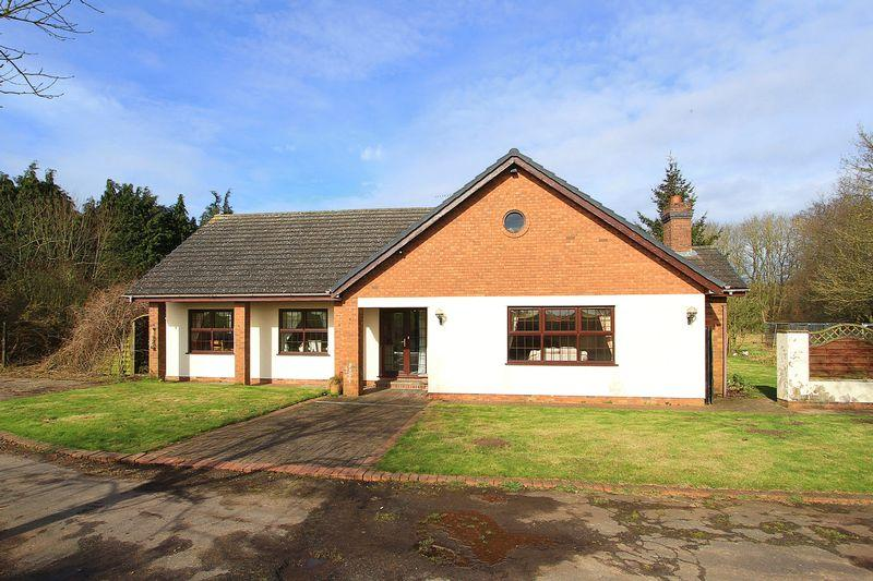 3 Bedrooms Detached Bungalow for sale in LOWER PENN, Blackpit Lane