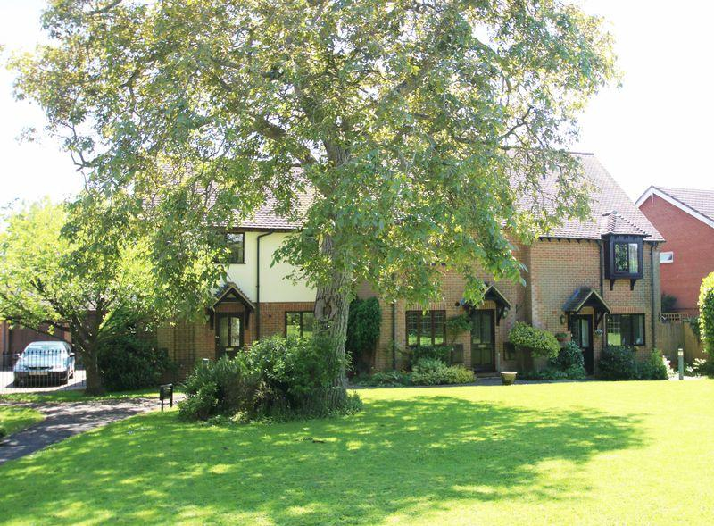 3 Bedrooms Village House for sale in Long Crendon, Buckinghamshire
