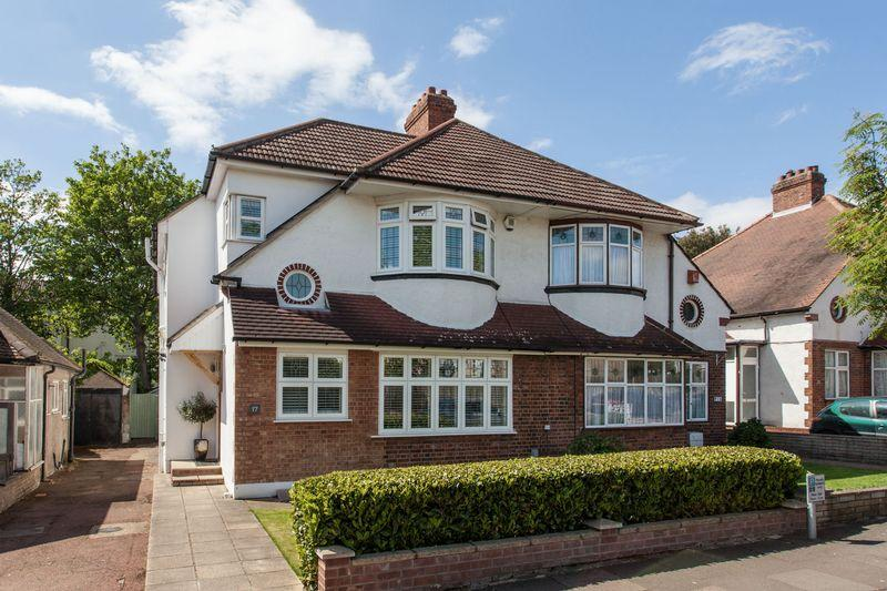 4 Bedrooms Semi Detached House for sale in Widmore Lodge Road, Bickley, Bromley