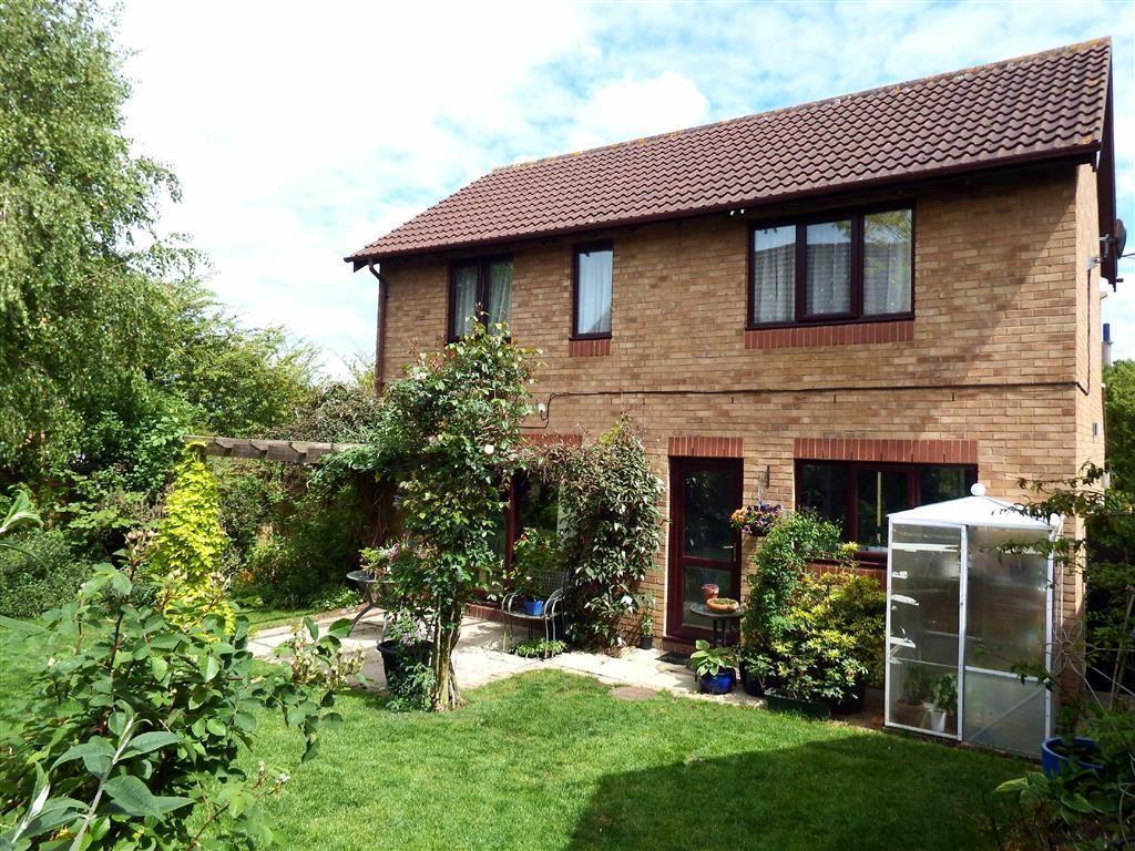 4 Bedrooms Detached House for sale in Ingleside Drive, Stevenage, Hertfordshire, SG1