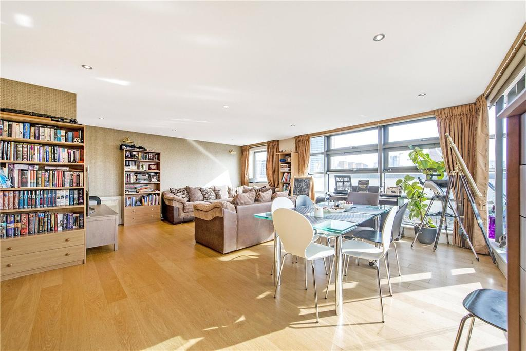 3 Bedrooms Flat for sale in Dolben Court, Montaigne Close, London