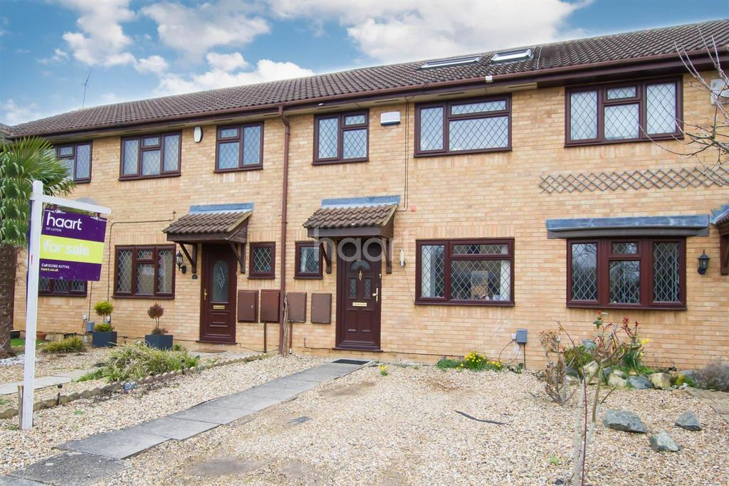 4 Bedrooms Terraced House for sale in Larger Than Average Home On Marson Grove