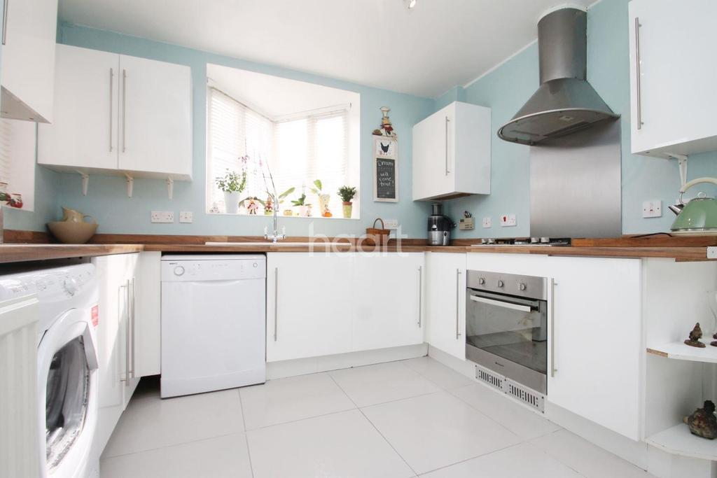 3 Bedrooms Detached House for sale in Spring Shaw Road, Orpington, Kent, BR5