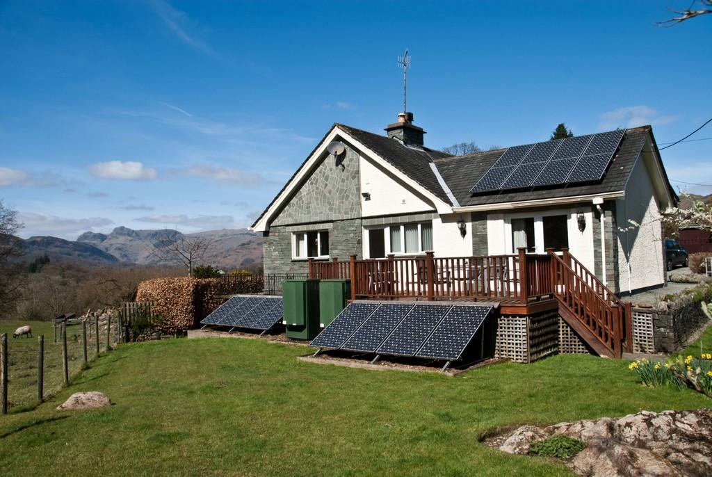 4 Bedrooms Detached Bungalow for sale in Crop Howe, Skelwith Fold, Ambleside, Cumbria LA22 0HT