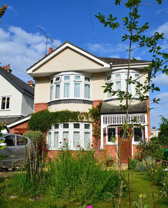 4 Bedrooms Detached House for sale in St. Albans Crescent, BOURNEMOUTH, BH8