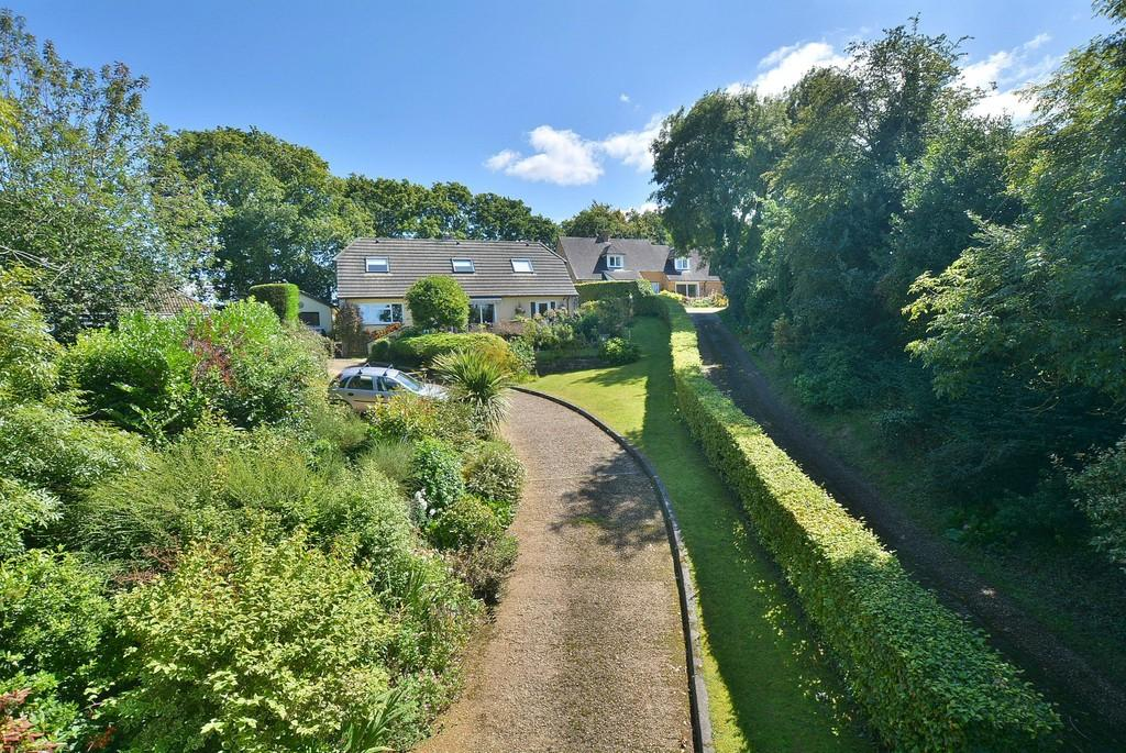 4 Bedrooms Detached House for sale in Larkrise, Sleight Lane, Corfe Mullen, WIMBORNE