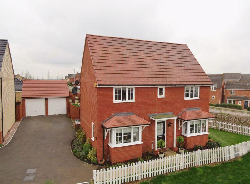 4 Bedrooms Detached House for sale in Livingstone Road, Oakley Vale, Corby