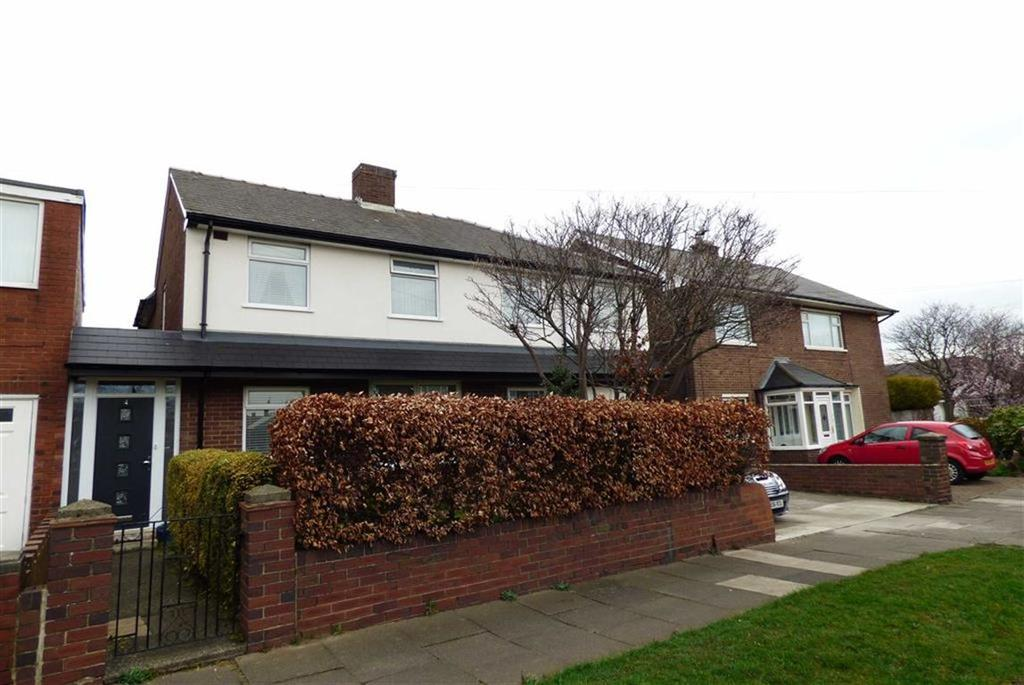 5 Bedrooms Detached House for sale in Derwent Road, Cullercoats, Tyne And Wear