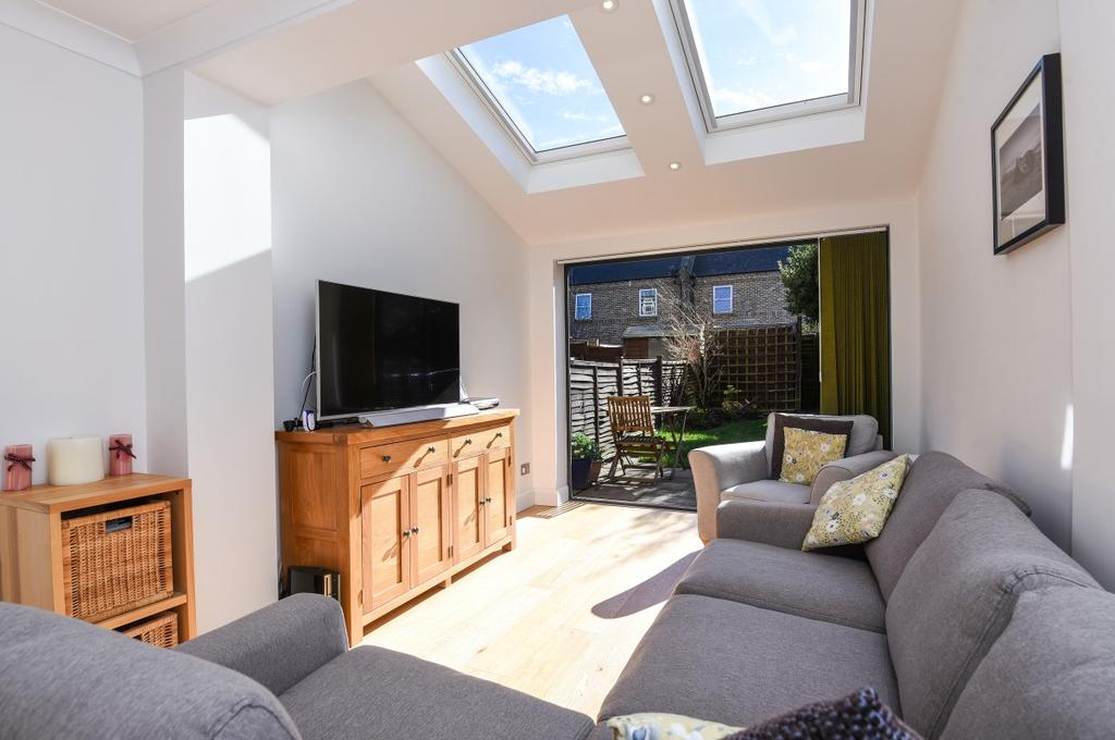 4 Bedrooms Terraced House for sale in Millers Meadow Close London SE3