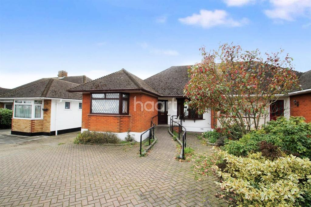 2 Bedrooms Bungalow for sale in Main Rd. Hockley