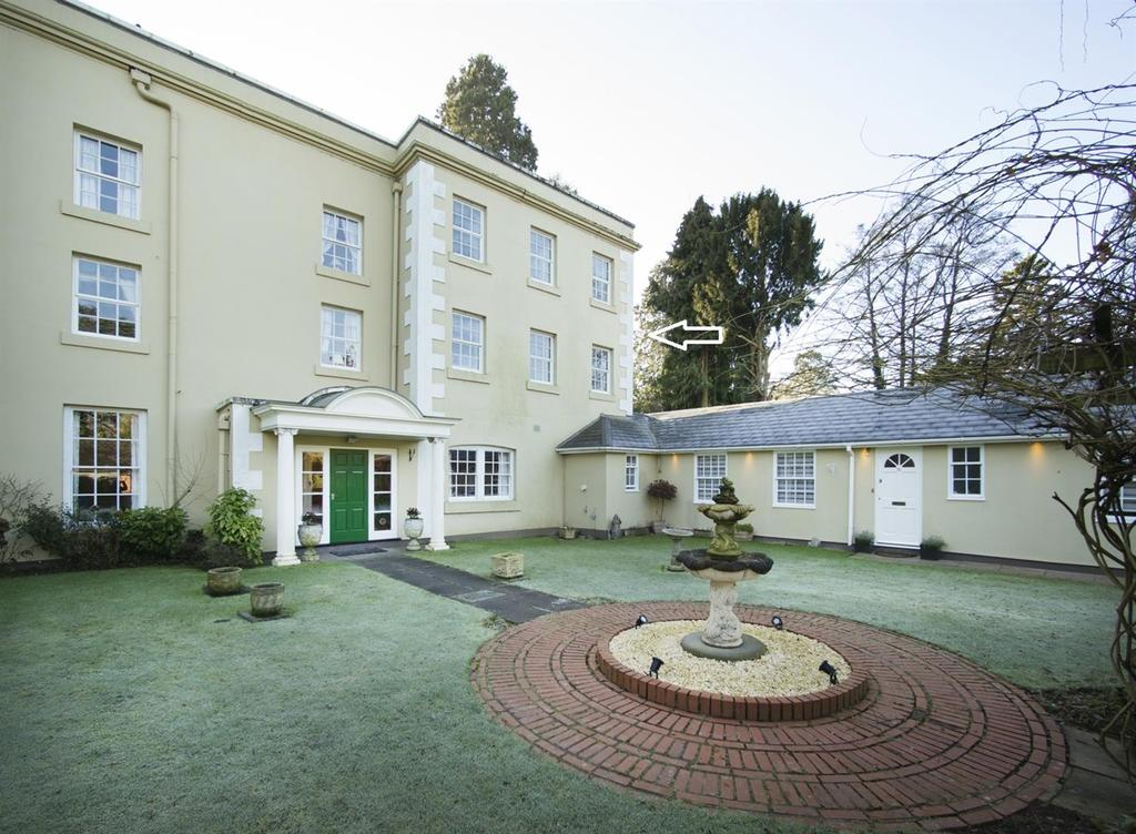 2 Bedrooms Apartment Flat for sale in Icknield Street, Beoley, Redditch
