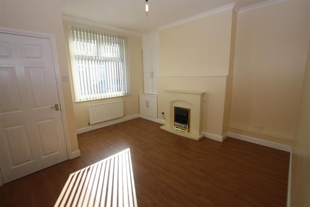 2 Bedrooms Terraced House for sale in Rosebery Street, Darlington