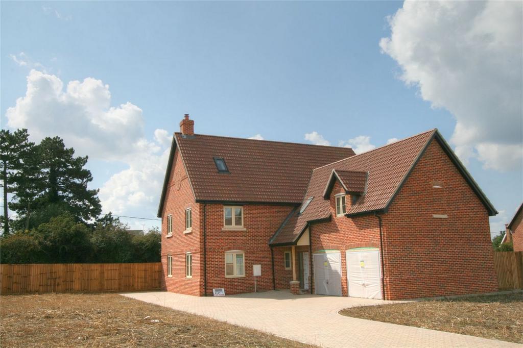 5 Bedrooms Detached House for sale in Kenninghall Road, East Harling, NR16 2QD, East Harling, Norfolk