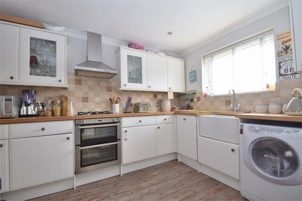 3 Bedrooms Detached House for sale in Ramsay Way, Langney Point, East Sussex