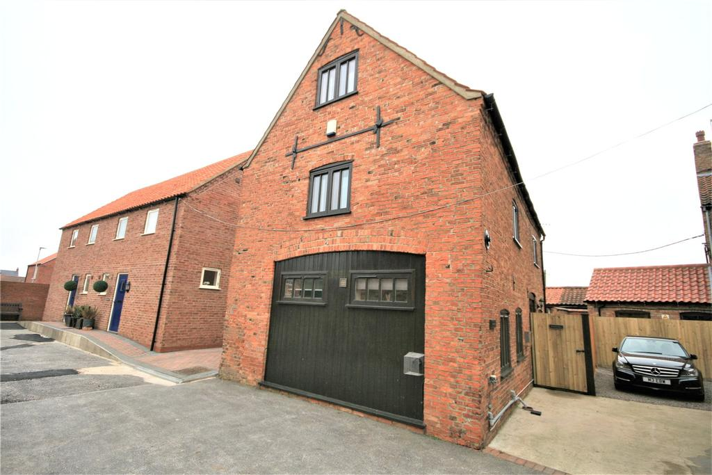 3 Bedrooms Detached House for sale in Market Place, Wragby, LN8