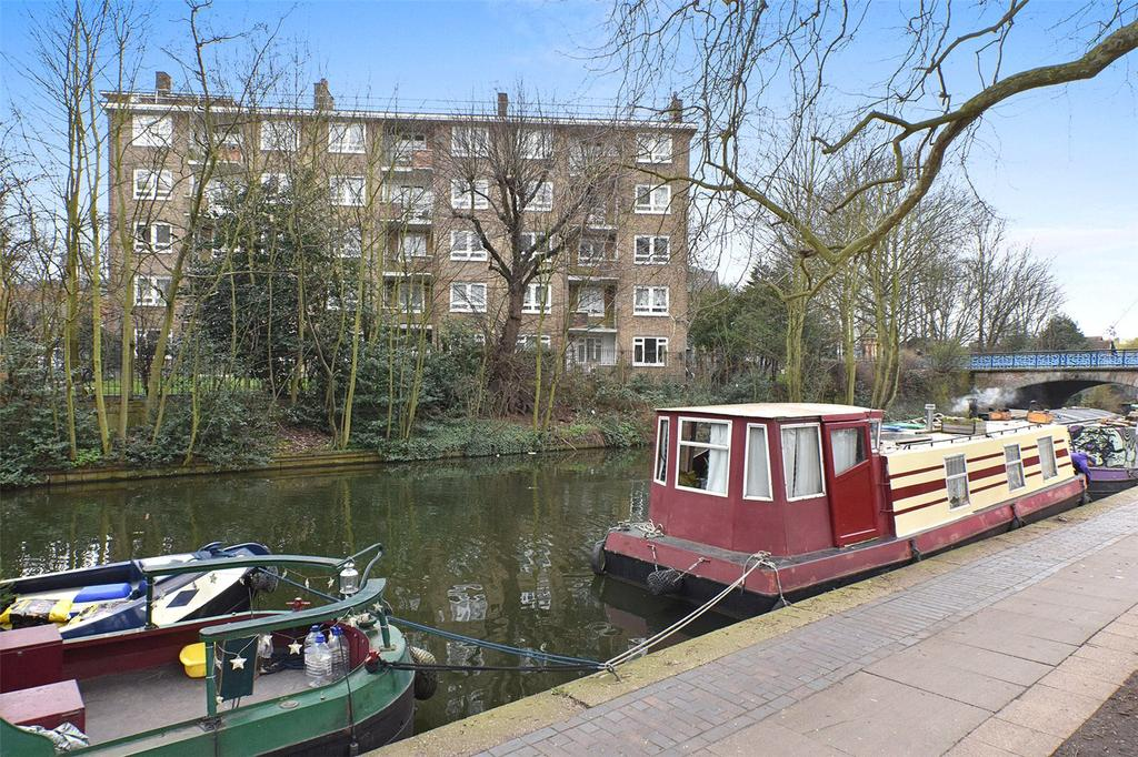 3 Bedrooms Flat for sale in Cleland House, Sewardstone Road, London, E2