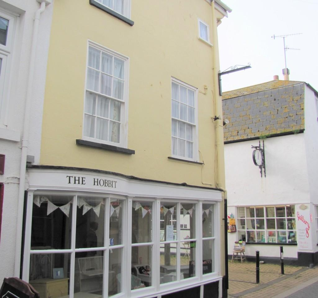 2 Bedrooms End Of Terrace House for sale in Central Teignmouth, TQ14 8EA