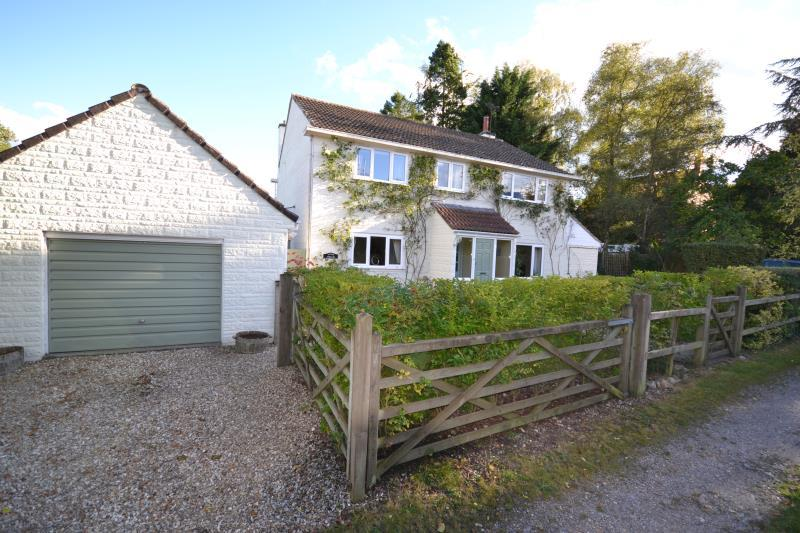4 Bedrooms House for sale in Wreath Green, Tatworth, Chard, Somerset, TA20