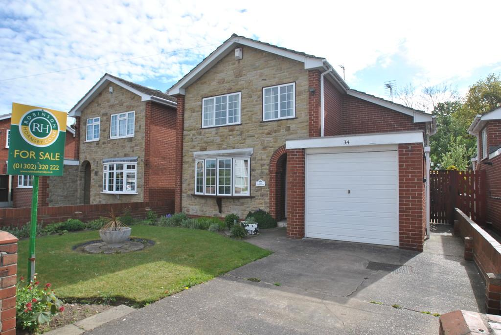 3 Bedrooms Detached House for sale in Roseberry Avenue, Hatfield, Doncaster, DN7 6LF