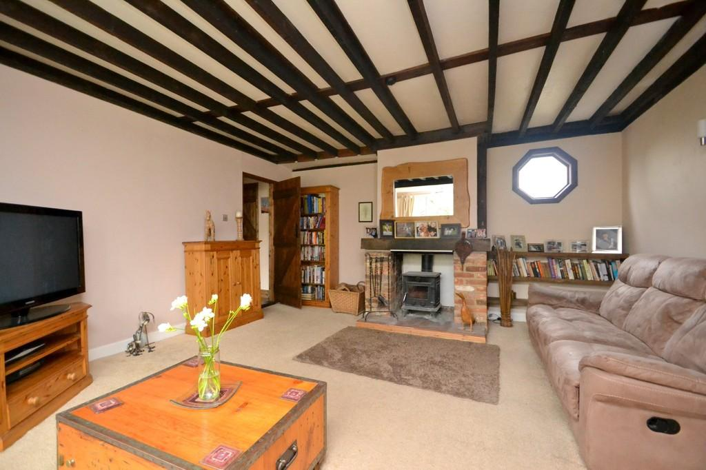 4 Bedrooms Detached House for sale in Main Road, Great Leighs