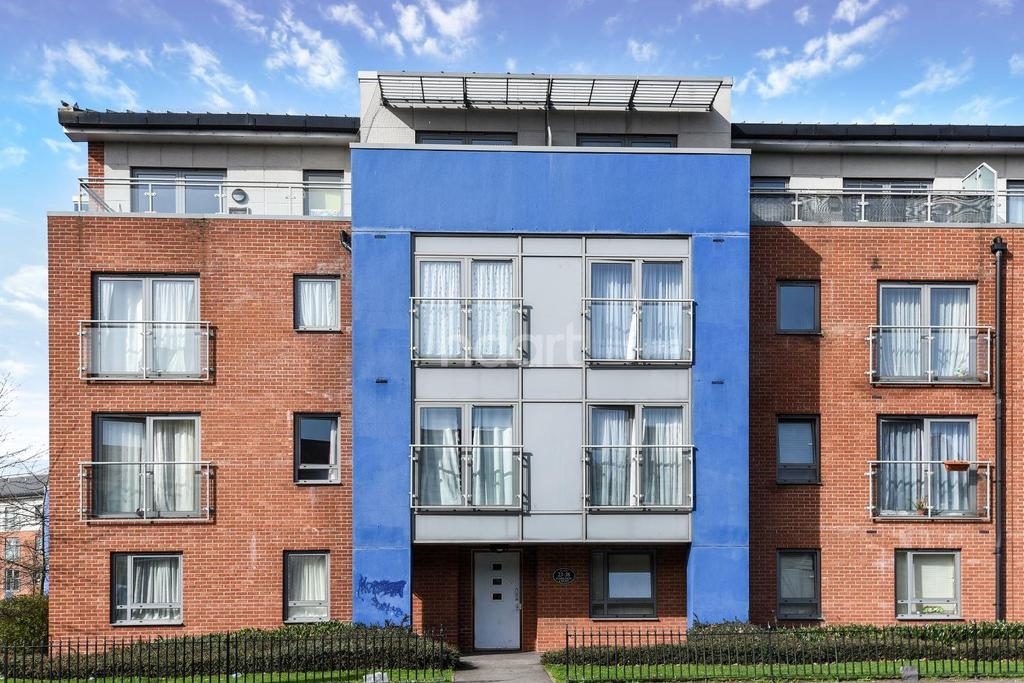 1 Bedroom Flat for sale in Harkness Court, Cleeve Way, SM1