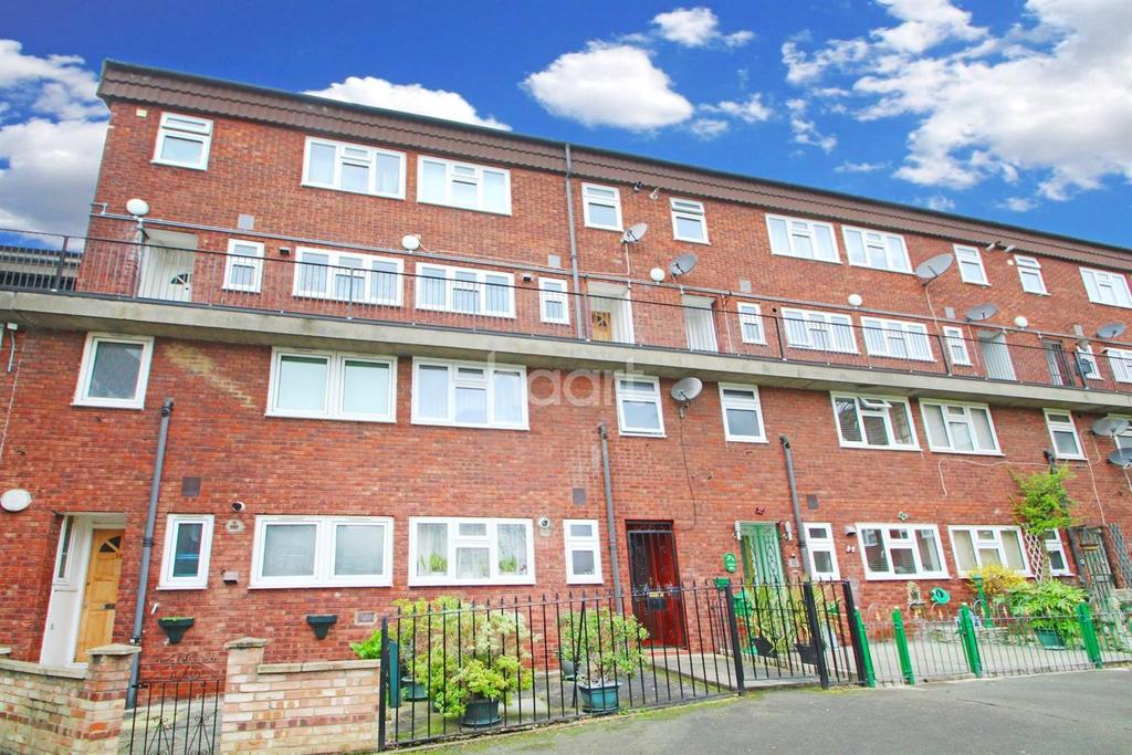 3 Bedrooms Maisonette Flat for sale in Acacia Road, Leytonstone