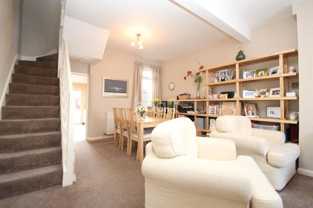 3 Bedrooms Terraced House for sale in Gordon Road, London, E15