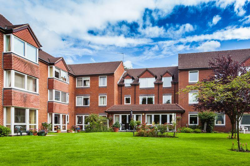 1 Bedroom Retirement Property for sale in Beechwood Court, Tettenhall, Wolverhampton